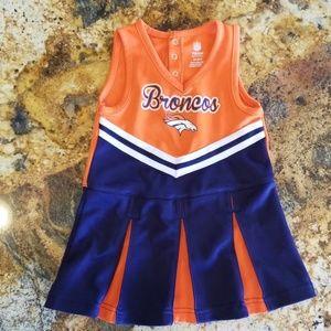 2T Broncos Cheerleader